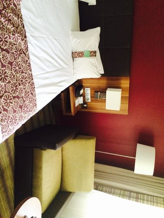 Holiday Inn Lille Ouest Englos : Room