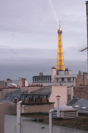 Hotel Waldorf Trocadero: View