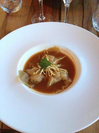 Les Triagoz: Entrée : Ravioles de crevettes / Jus de Crustacé