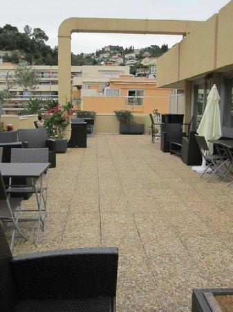 Quality Hotel Mediterranée: terrazza