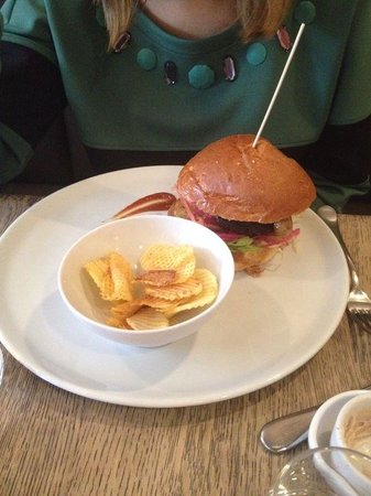 Kok au Vin: Hamburger di carne di vitello giapponese