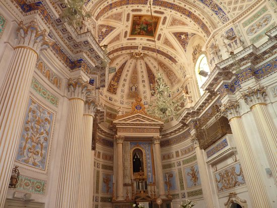 Scicli : Interior of Church next to'Police Station'