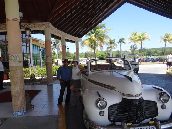 Hotel Playa Costa Verde: Ready for a day out in our '54 Chev