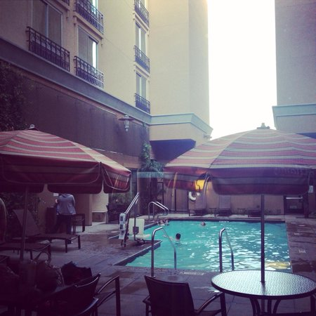 Hyatt Place Riverside Downtown: Outdoor pool...