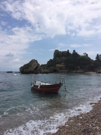 Isola Bella: Boat trips possible