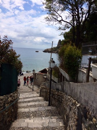 Isola Bella: 265 steps down