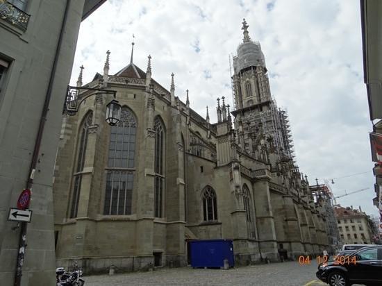 Cathedral at Munsterplatz / St. Vincent (Munster Kirche): View