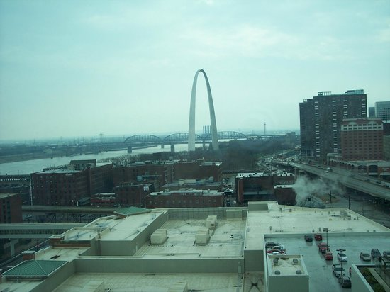 Four Seasons Hotel St. Louis: Arch