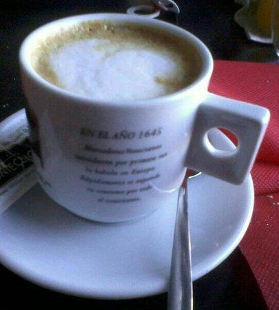 Cafe con leche dios manda y en taza chula for Capacidad taza cafe con leche