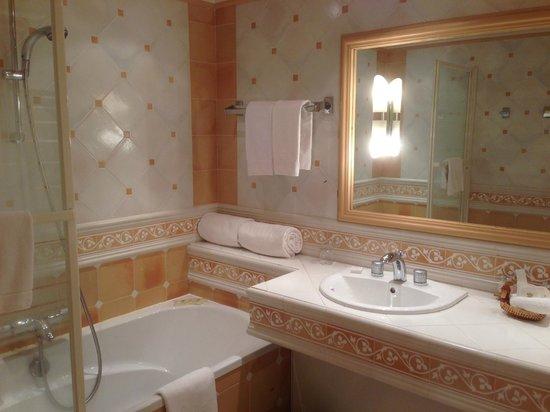 Relais de la Poste : Salle de bain