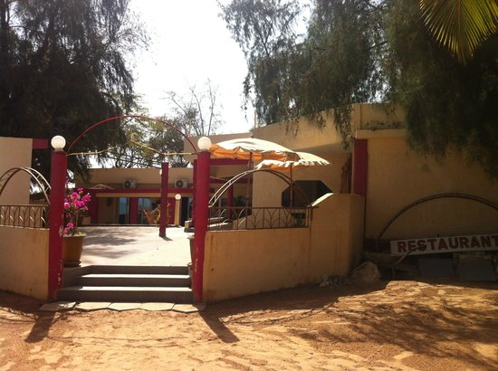 Saly Princess : restaurant exterieur délabré qui n'existe plus