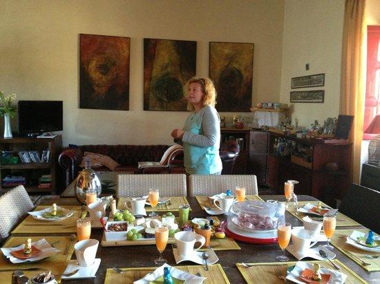 B&B Dar Ta' Zeppi : breakfast Easter