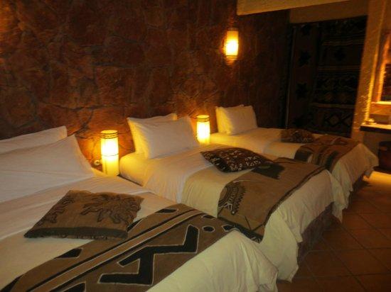 Hotel Xaluca Dades : Our spacious room....