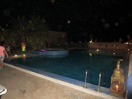 Hotel Xaluca Dades : jacuzzi at night....