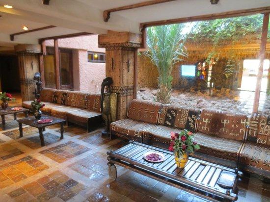 Hotel Xaluca Dades : lovely lobby....