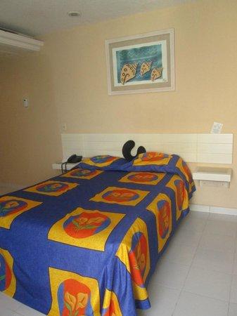 Hotel Fontan Ixtapa : my spotless room