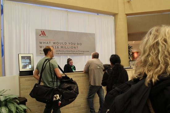 Little Rock Marriott: check-in all guests lumped together no Gold Member check-in