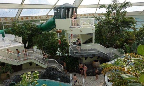 Toboggan vert photo de sunparks de haan aan zee de haan for Sun park piscine