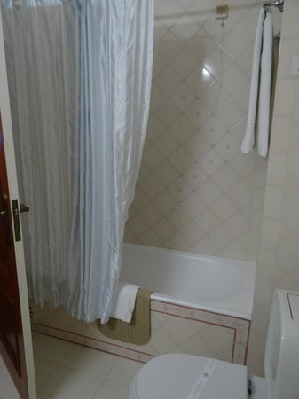 Turim Estrela do Vau Hotel: bathroom in studio