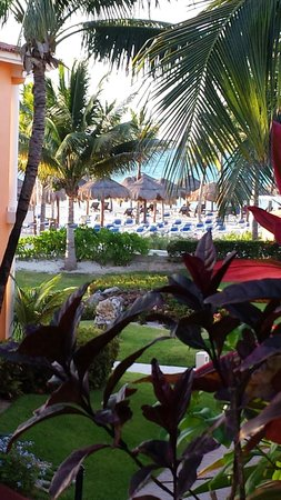 Ocean Maya Royale: Our balcony view from room 3407.