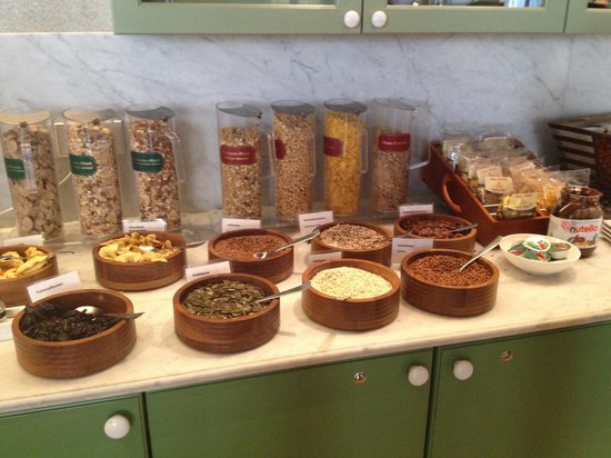 Hyperion Hotel Dresden am Schloss: Cereals seeds and nuts