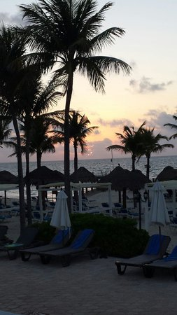 Ocean Maya Royale: Sunrise at Ocean Maya!