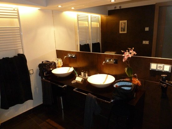 Adealba Hotel: Baño