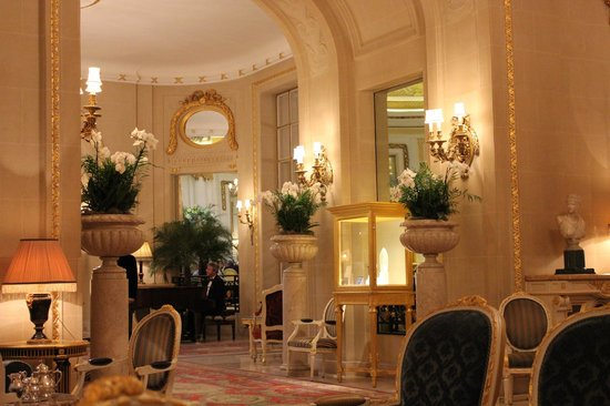 The Ritz London: Long Gallery Orchids