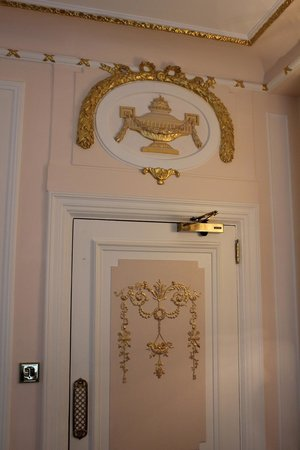 The Ritz London : Room Gold Details