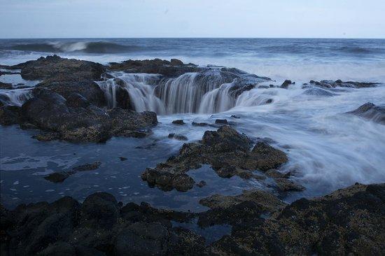 Cape Perpetua Scenic Area : Thor's Well