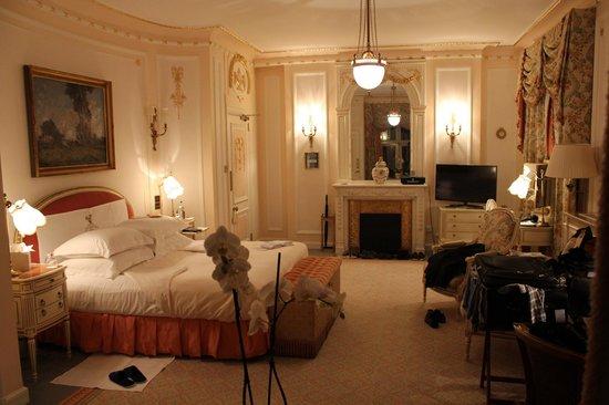 The Ritz London : Room at Night
