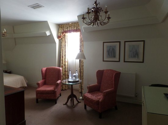 The Randolph Hotel: 7