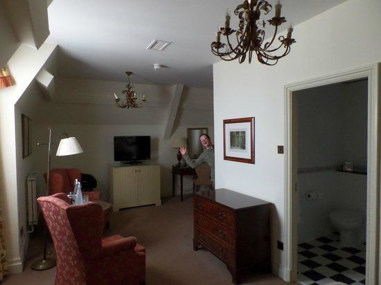 The Randolph Hotel: 3