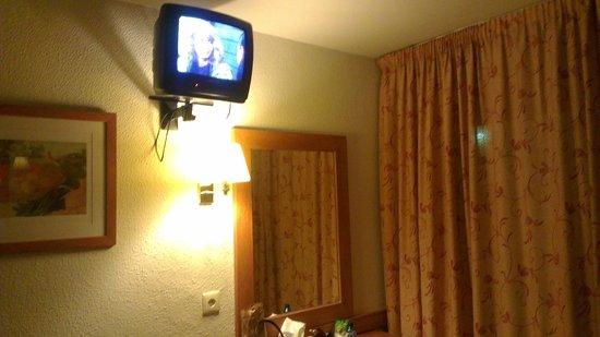 H TOP Royal Star & SPA: TV in room limited channels