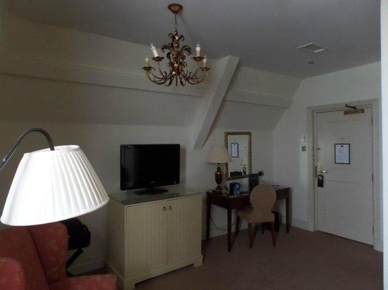 The Randolph Hotel: 8