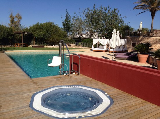 Can Lluc Boutique Country Hotel & Villas : Pool area