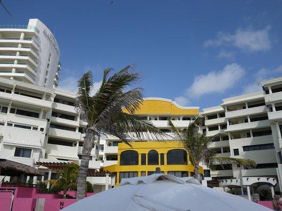 NYX Hotel Cancun : Собственно отель)