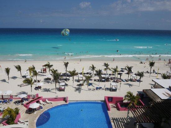 NYX Hotel Cancun : Вид с балкона