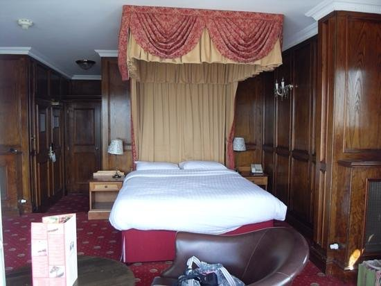 Wherry Hotel: executive suite