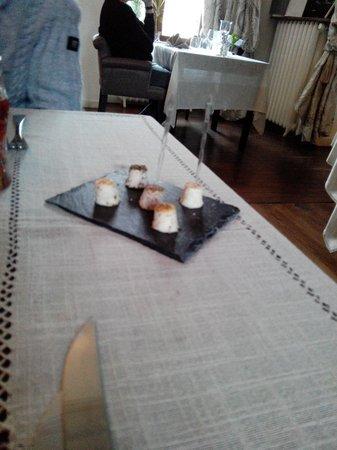 Hotel Chateau le Sallay: Mise en bouche Fromage