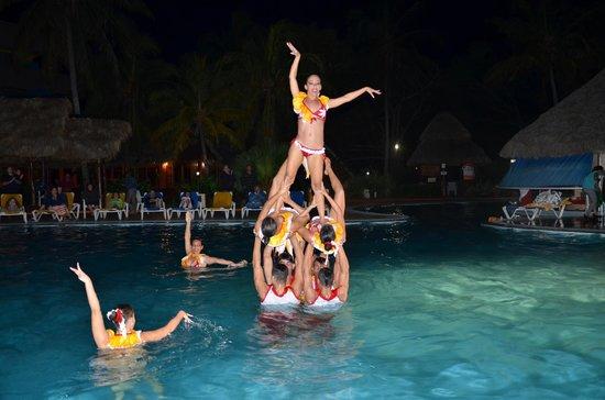 Hotel Tuxpan Varadero: spettacolo acquatico serale