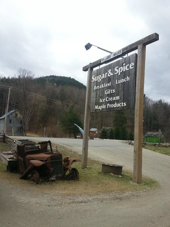 Maple Sugar & Vermont Spice: I look forward to seeing this sign every time we head up to Vermont!