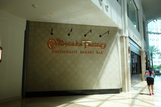 The Cheesecake Factory : Sign