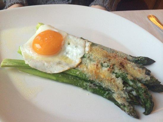 Steffani Restaurant: Asparagi con uovo
