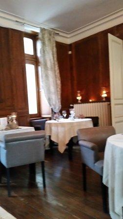 Hotel Chateau le Sallay: salle a manger