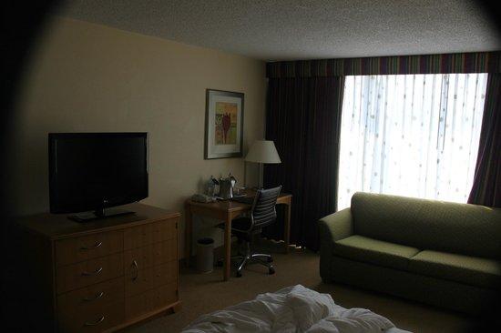 Hilton Cocoa Beach Oceanfront: Room from doorway