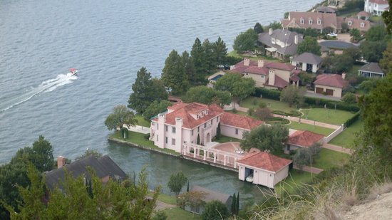 Mount Bonnell : Million Dollar House on Lake Travis (from Mt Bonnell)