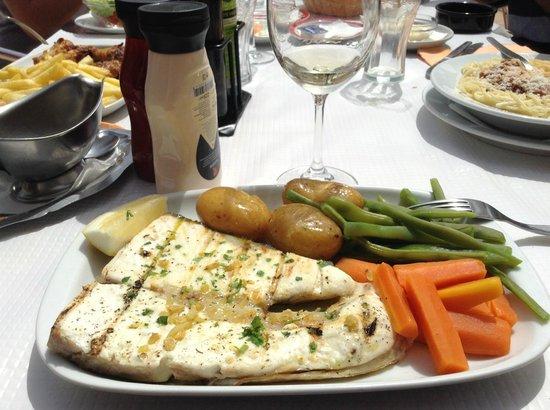 Restaurante Cabrita : Grilled Halibut