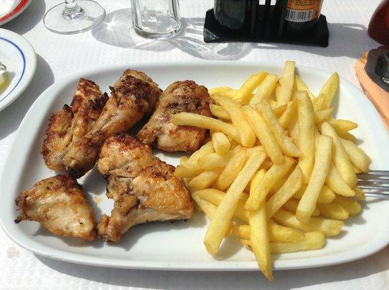 Restaurante Cabrita : Grilled Chicken with Piri Piri Sauce