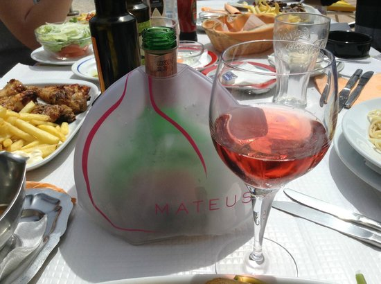 Restaurante Cabrita : Rose Mateo Wine...